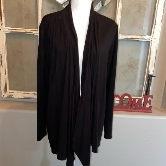 Andrea Jovine Jackets & Blazers - ⭐️Long Sleeve Flowing Jacket Black M